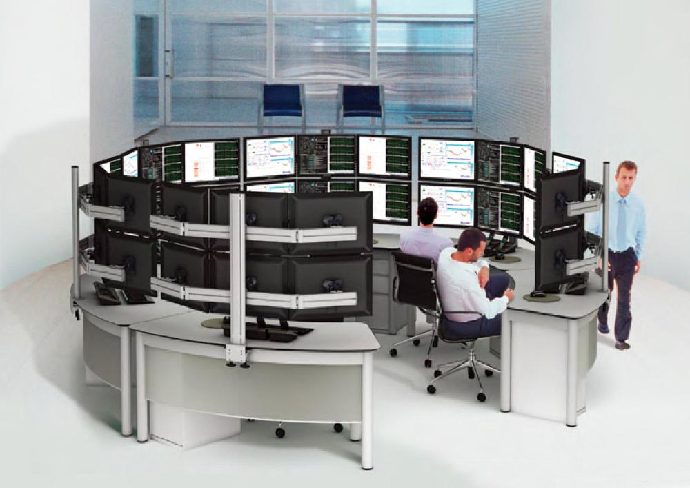 Ensemble de bureaux avec supports multi-écrans