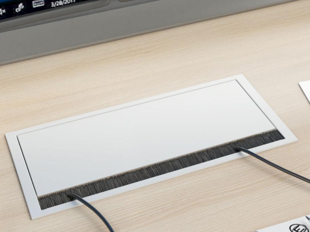 Connectique encastré sur un poste de travail multi-écrans