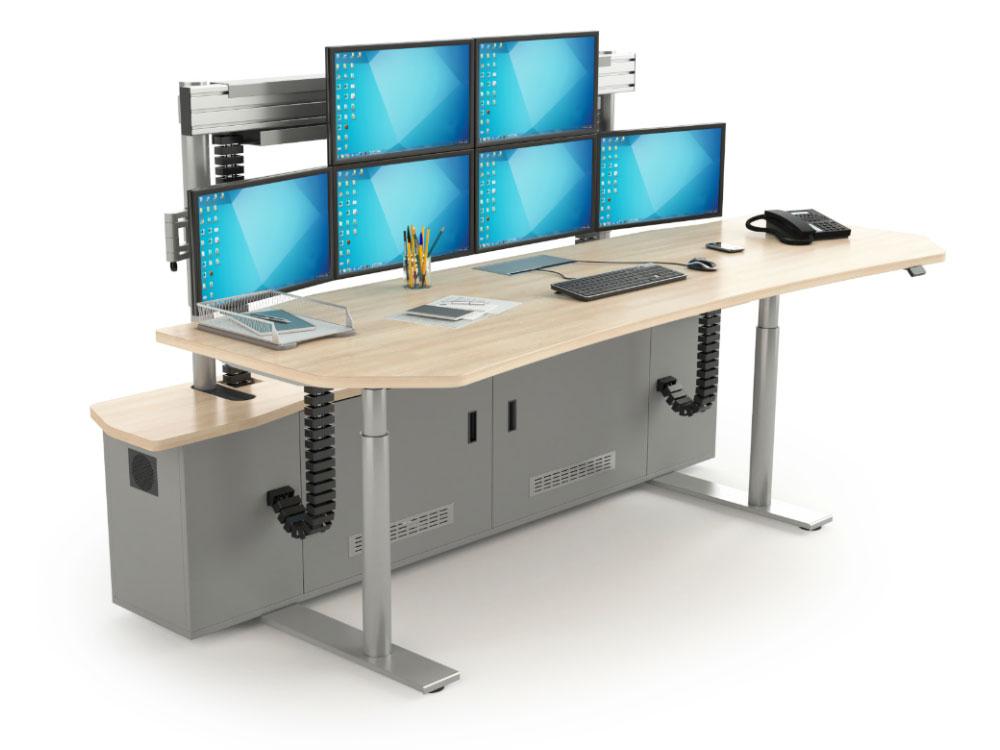 Poste de travail multi-écrans avec plateau et écrans réglables en hauteur séparément